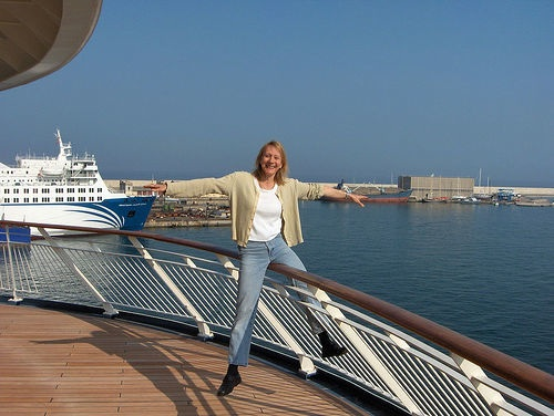 Esther Dyson balancing on a boat in Barcelona