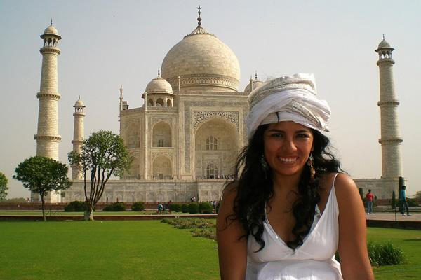 Yngrid Arnold at Taj Mahal