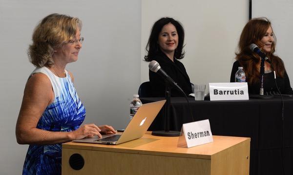 moderator Linda Sherman Digital Hollywood Branding Panel photo by Ray Gordon